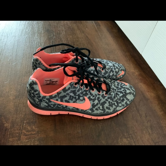 Nike Cheetah Print Frees Tennis Shoes